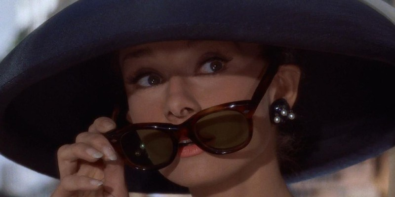 Audrey Hepburn 800 x 400